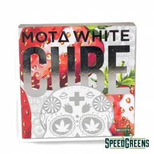 MOTA Strawberries and Cream CBD White Chocolate Cube 180mg CBD3 min