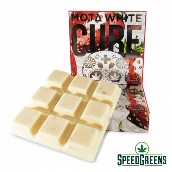 MOTA Strawberries and CreamCBD White Chocolate Cube chocolate 2b